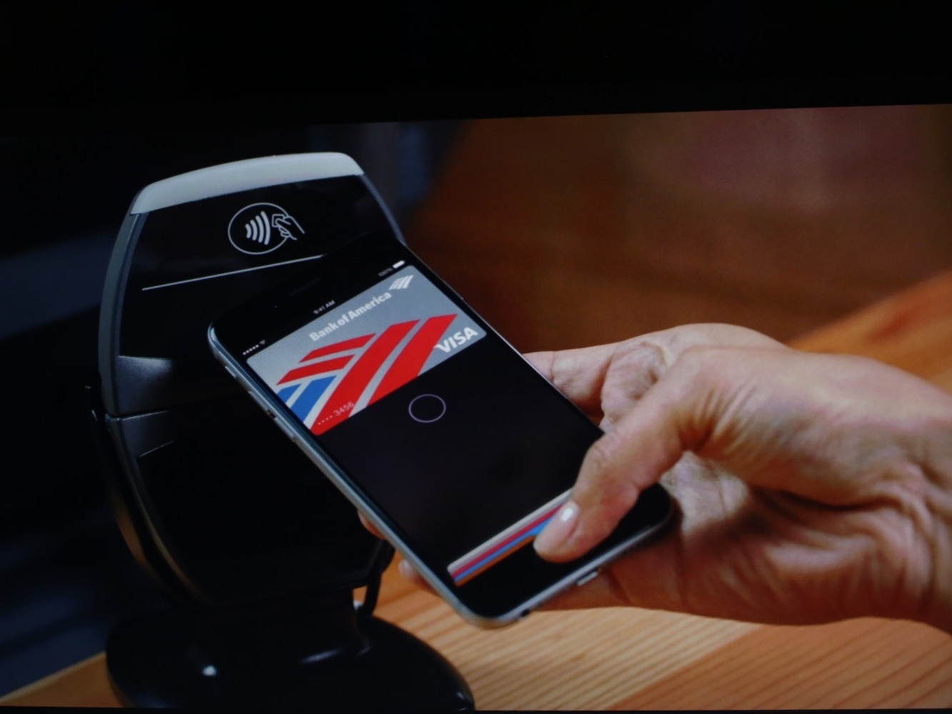 Fintech, cosa cambia con Apple Pay in Italia